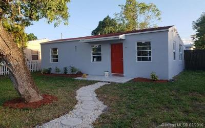 Hollywood Multi Family Home For Sale: 2534 McKinley St