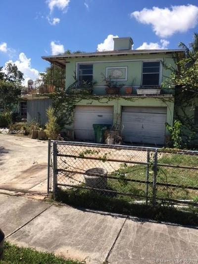 Single Family Home For Auction: 15730 SW 102nd Ct