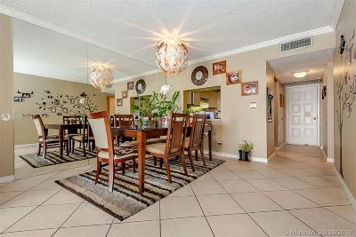 Coconut Creek Condo For Sale: 3050 NW 42nd Ave #C305