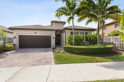 Miami Single Family Home For Sale: 25054 SW 118 Pl