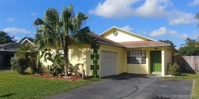 Davie Single Family Home For Sale: 4131 SW 84th Ter