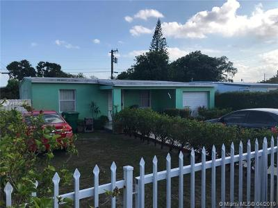 Opa-Locka Single Family Home For Sale: 1960 Service Rd