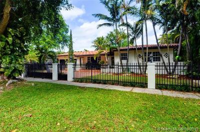 Coral Gables Single Family Home For Sale: 1025 Bayamo Ave