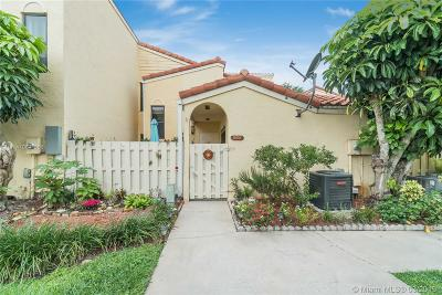 Boca Raton Condo Active With Contract: 22278 Pineapple Walk Dr #22278