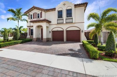 Miami Single Family Home For Sale: 15206 SW 173rd St