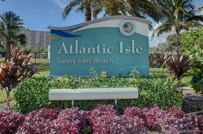 Sunny Isles Beach Single Family Home For Sale: 318 Atlantic Isle