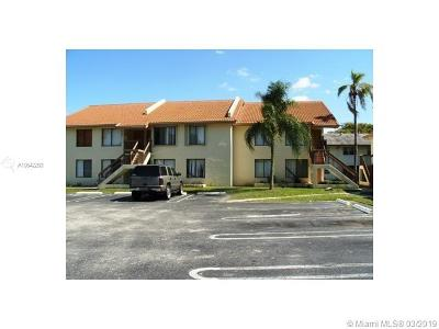 Coral Springs Condo For Sale: 2538 Riverside Dr #212