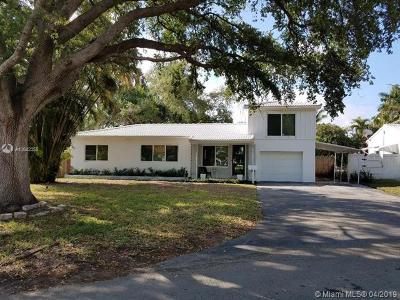 Biscayne Park Single Family Home For Sale: 950 NE 116th St