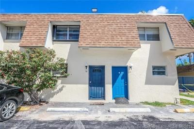 Condo For Sale: 15389 S Dixie Hwy #50