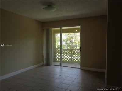 Miami Lakes Rental Leased: 18338 NW 68th Ave #G