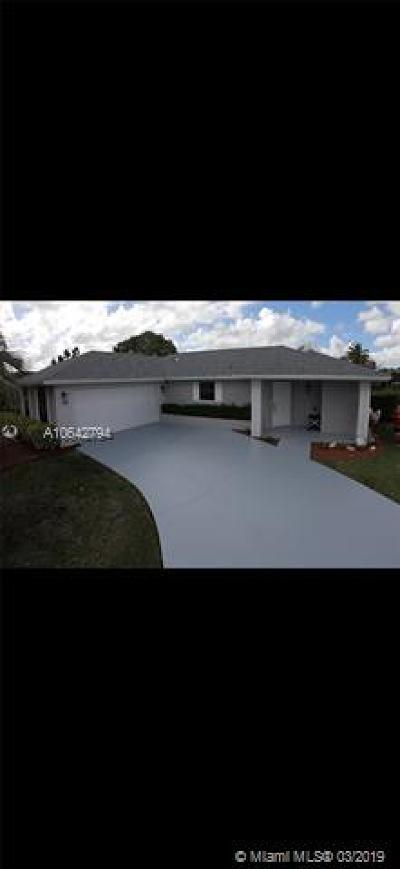 Wellington Single Family Home Active With Contract