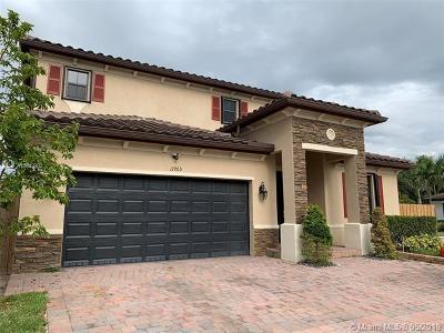 Miami FL Single Family Home For Sale: $490,000