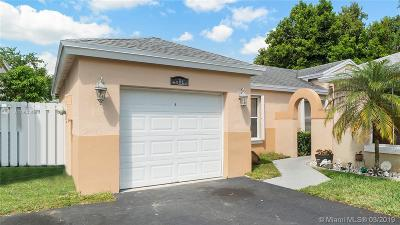 Davie Single Family Home Active With Contract: 4334 SW 72nd Way