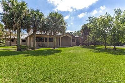 Single Family Home For Sale: 12220 SW 43rd St