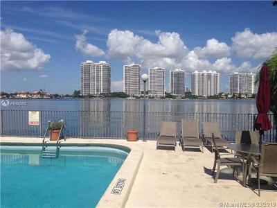 Sunny Isles Beach Condo For Sale: 17600 N Bay Rd #N802