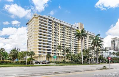 Miami Beach Condo For Sale: 5600 Collins Ave #4G