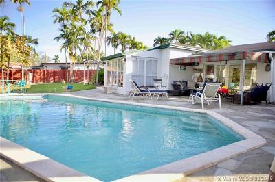 Miami Single Family Home For Sale: 3801 S Lake Dr
