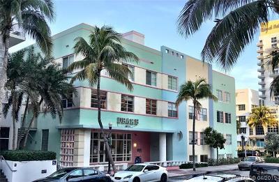 Miami Beach Condo For Sale: 1460 Ocean Dr #203