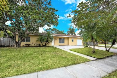 Miami Single Family Home For Sale: 15600 SW 102nd Pl