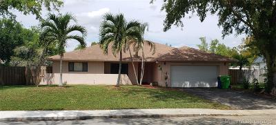 Sunrise Single Family Home For Sale: 9561 NW 33rd Mnr