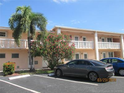 Broward County Condo For Sale: 2115 NE 42nd Ct #104N