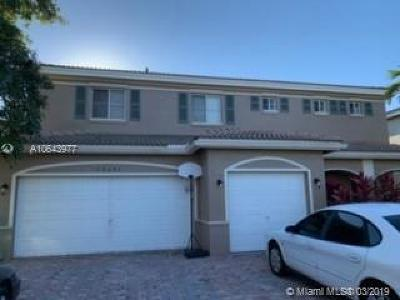 Miami Gardens Single Family Home For Sale: 20642 NW 10th Ave