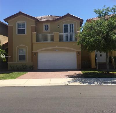 Doral Single Family Home For Sale: 10966 NW 86th Ter