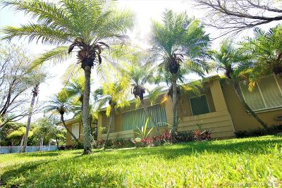 Palmetto Bay Single Family Home For Sale: 13805 Old Cutler Rd