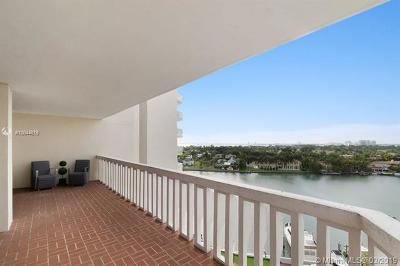 Miami Beach Condo For Sale: 5500 Collins Ave #1001
