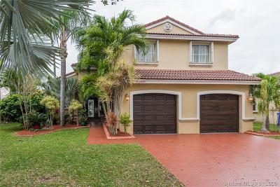 Pembroke Pines Single Family Home For Sale: 19479 NW 24th Pl