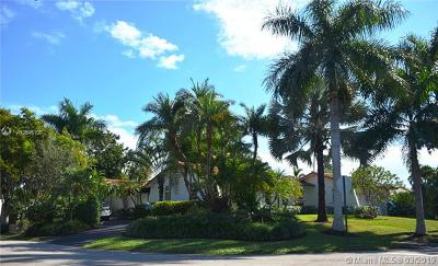 Pinecrest Single Family Home For Sale: 5720 SW 132nd Ter