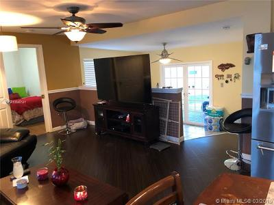Oakland Park Single Family Home For Sale: 3035 NW 28 Th Ln