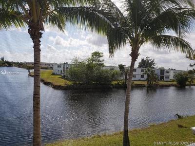 Miami Gardens Condo For Sale: 12 NE 204th St #17
