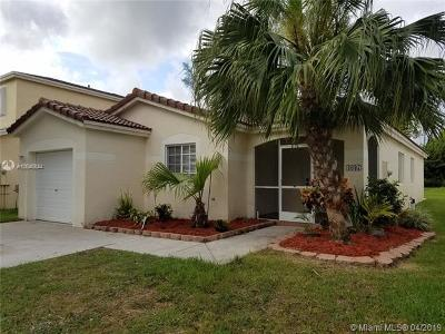 Deerfield Beach Single Family Home For Sale: 4637 SW 12th St