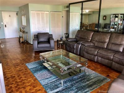 Sunny Isles Beach Condo For Sale: 210 174th St #510