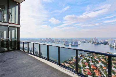 Miami-Dade County Condo For Sale: 18555 Collins Ave #4404