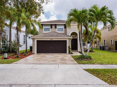 Miramar Single Family Home Active With Contract: 5055 SW 164th Ave