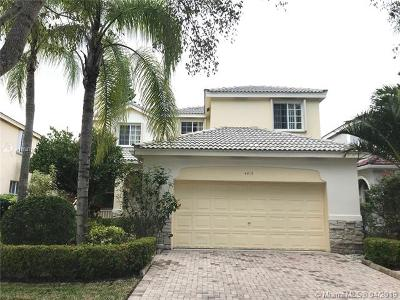 Broward County Single Family Home For Sale: 4415 Foxtail Ln