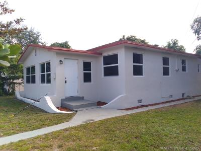 North Miami Single Family Home For Sale: 532 NE 132nd St