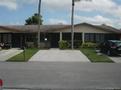Delray Beach Single Family Home For Sale: 5796 Doris Ct #5796