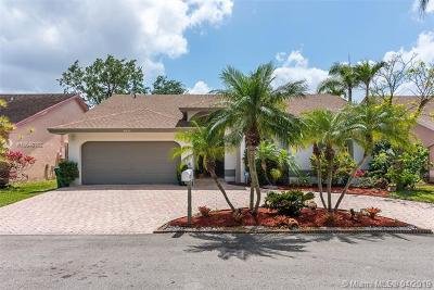 Coral Springs Single Family Home For Sale: 9930 NW 53rd Ct