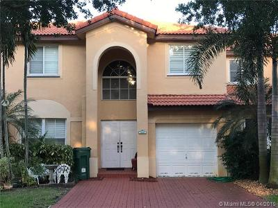 Davie Single Family Home Active With Contract: 208 Magnolia Ave
