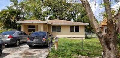 Opa-Locka Single Family Home For Sale: 1327 Sharar Ave