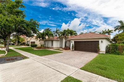 Pembroke Pines Single Family Home For Sale: 19341 NW 10th St