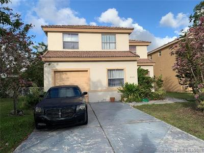 Pembroke Pines Single Family Home For Sale: 10521 SW 13th Ct