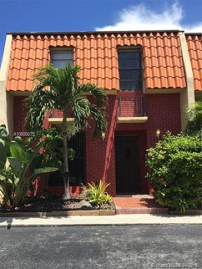 North Miami Beach Condo For Sale: 16685 NE 35th Ave #4