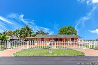 Miami Gardens Single Family Home For Sale: 2403 NW 175th St