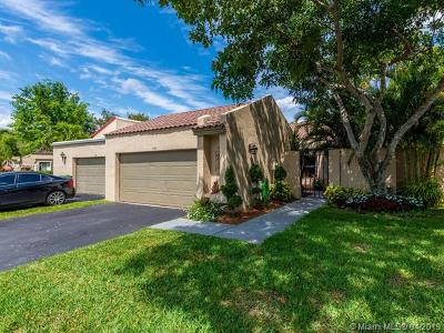 Weston Single Family Home For Sale: 330 Patio Village Ter