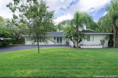 Palmetto Bay Single Family Home For Sale: 8400 SW 140th St