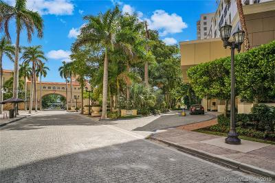 Coral Gables Condo For Sale: 888 S Douglas Rd #303